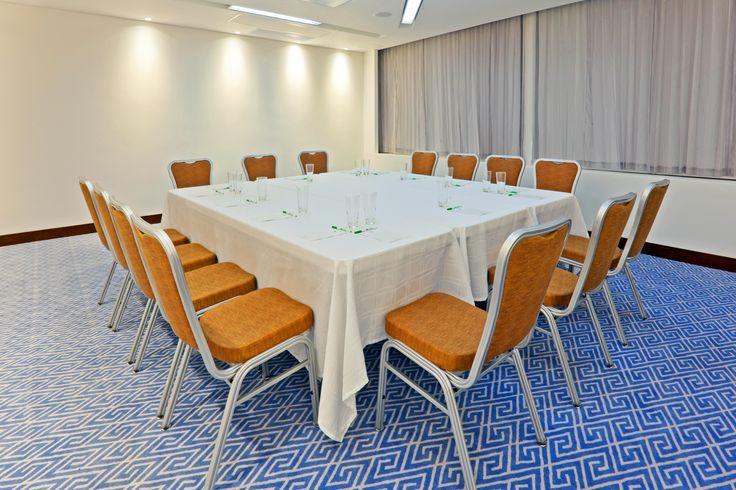 """""""Salón Vitri"""" con capacidad para 40 personas es el lugar ideal para tu #Evento, #Grado, #Fiesta, Celebración, #Matrimonio #Reuniones #Eventos #Congresos #Hotel Reservas: reservations.ctghi@ihg.com"""