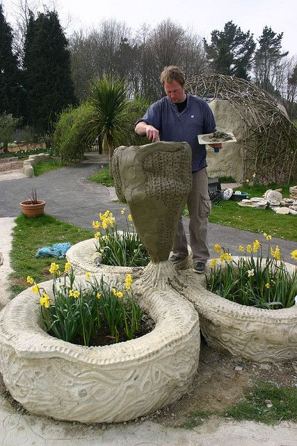 169 best images about tire planters on pinterest for Using tyres as planters