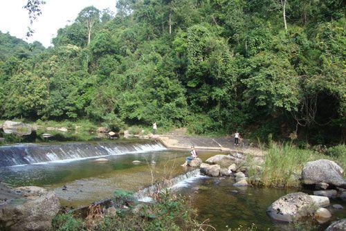 Suối nước - khu du lịch sinh thái Khe Rỗ
