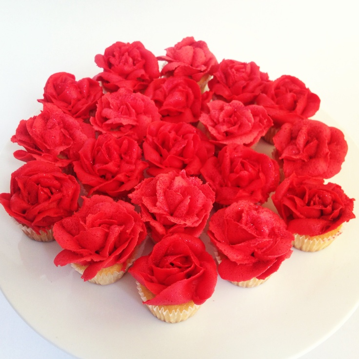 Mini cupcake roses by Missnattiescupcakes.co.uk