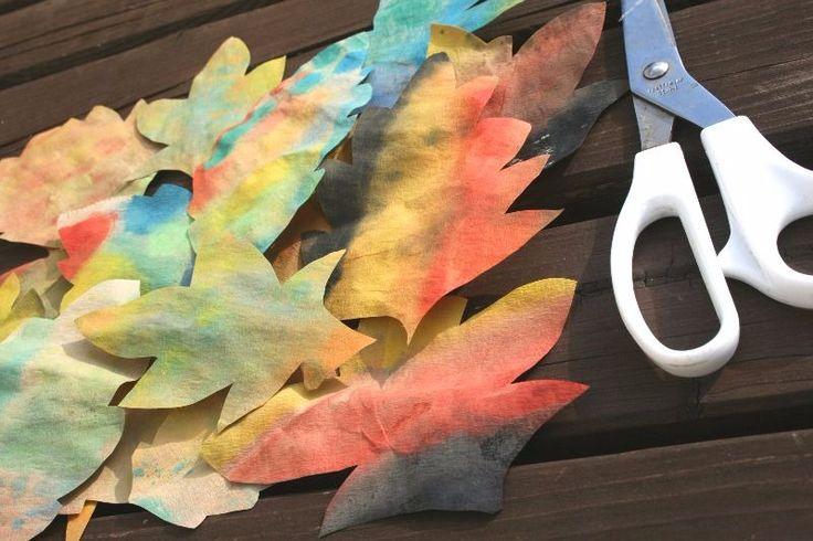 Herbstblätter mit Tusche und Kaffeefilter zaubern -Wie der Titel schön verrät, braucht ihr eigentlich nur zwei entscheidene Dinge.