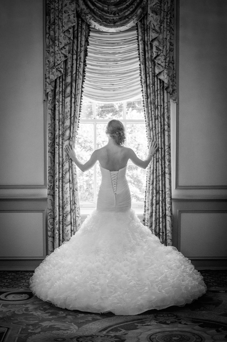 Charleston Bridal Portraits with Amy-Marie Kay Photography  on Borrowed & Blue.  Photo Credit: Amy-Marie Kay Fine Art Photography