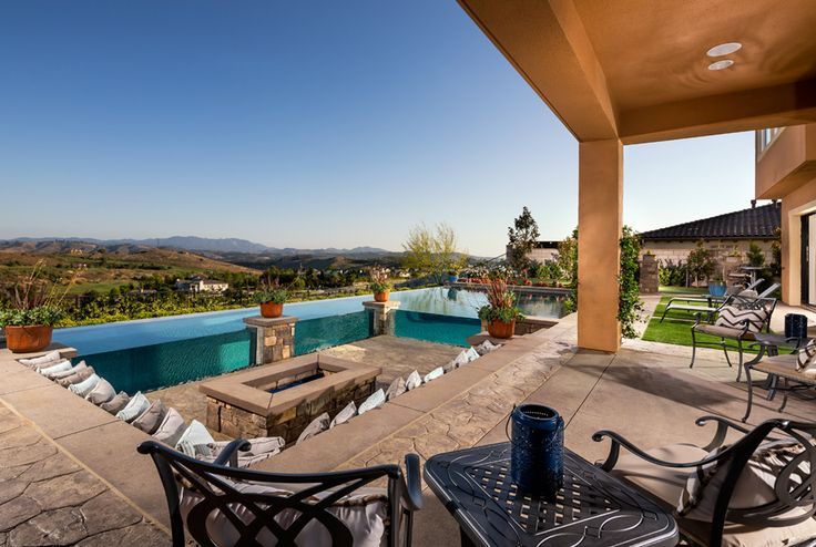 Toll Brothers - Luxury Outdoor Living Space