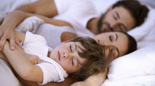 Правильно ли долго разрешать спать детям с родителями? - Обратный бумеранг или Мужчины против Женщин - На Амуре
