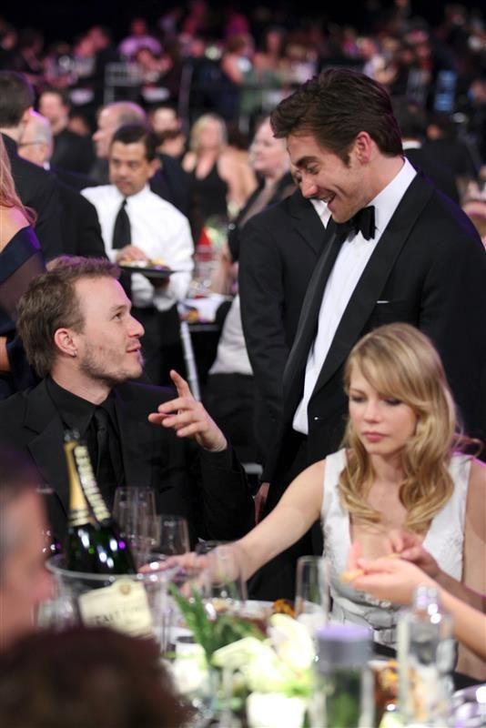 Heath Ledger Jake Gyllenhaal  Michelle Williams SAG - A look back at Jake Gyllenhaal and Heath Ledger's friendship