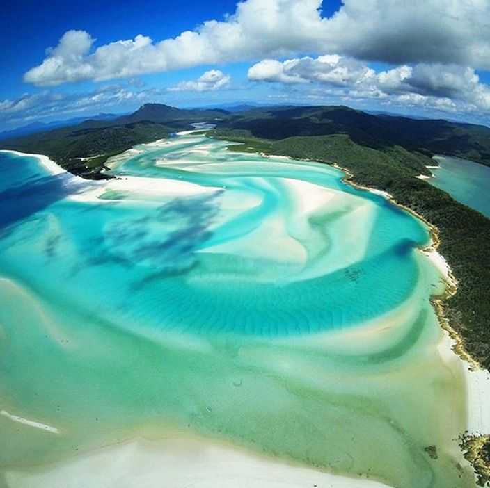 Are the Whitsunday Islands on your bucket list! Because they are a must when visiting the East Coast of Australia.