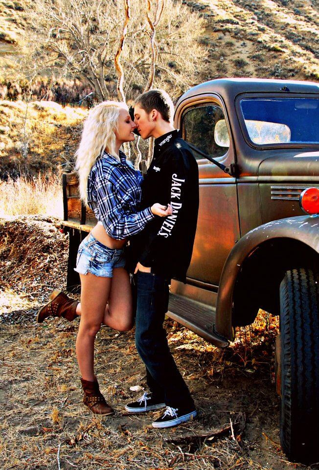 Cute couple photography country idea date truck plaid ...