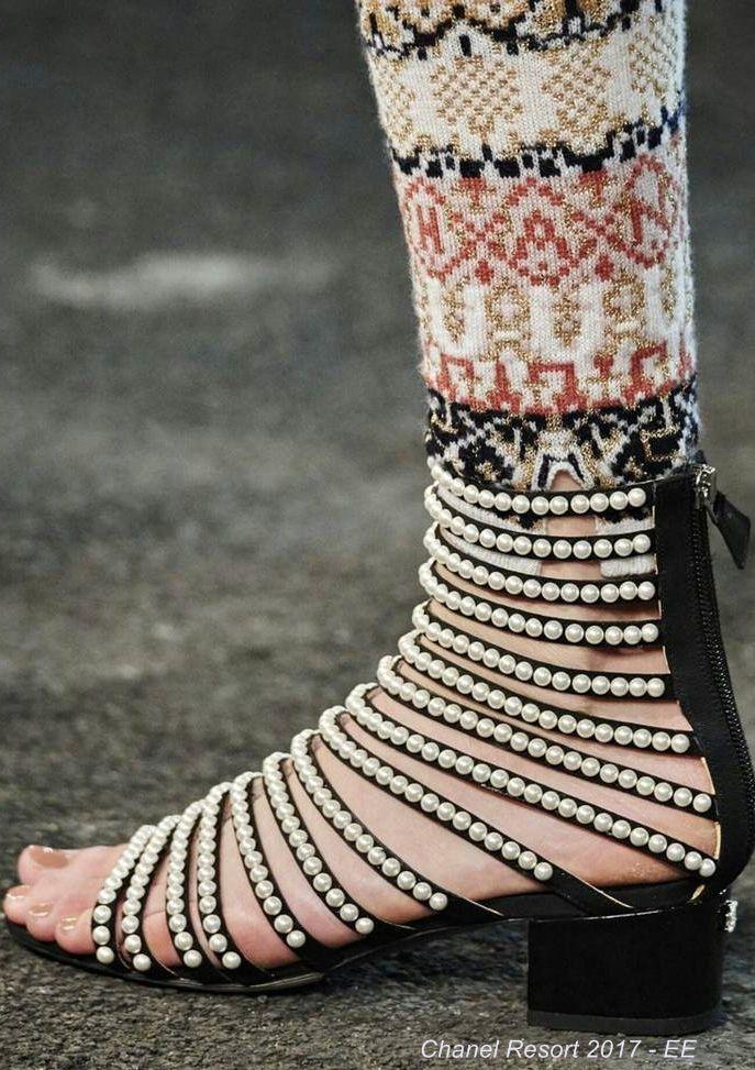 Perlas y sandalias ¡Increíbles! #SuperChic ¡Lúcelas y deslumbra a todos!