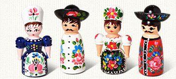 Hungarian Salt and Pepper Shaker Set - http://spicegrinder.biz/hungarian-salt-and-pepper-shaker-set/