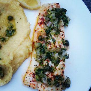 Grillet torsk med urte -og kaperssmør