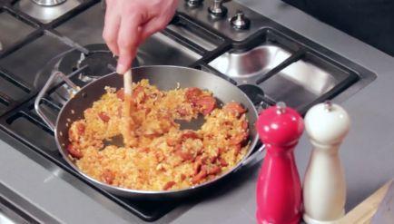 Smeuiige paella met kip - Recept - Allerhande
