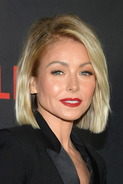 Kelly Ripa B.o.B - Kelly Ripa attended the screening of 'Lemony Snicket's A Series of Unfortunate Events' wearing her hair in a chic bob.