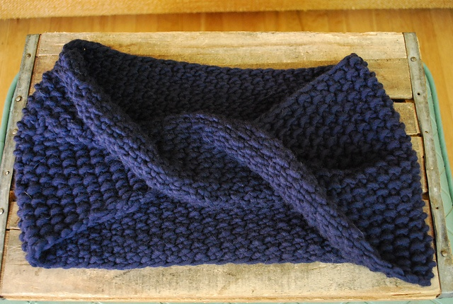 Seed Stitch Cowl pattern