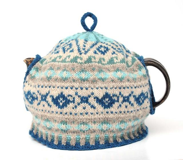 Ravelry: Project Gallery for Osaka Tea Cosy pattern by Masami Yokoyama