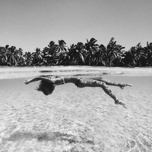 ♡ On Pinterest @ kitkatlovekesha ♡ ♡ Pin: Photography ~ Summer Swimming at the Beach ♡