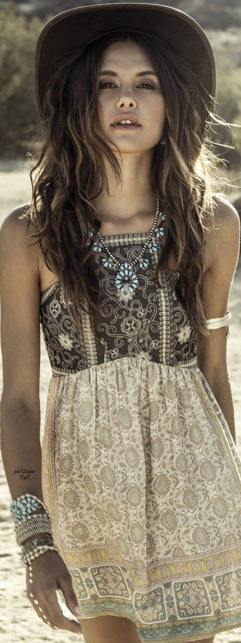 Boho chic, bohemian dress, bohemian style, boho jewelry, tribal look, hippie style, summer look, hat, woman fashion