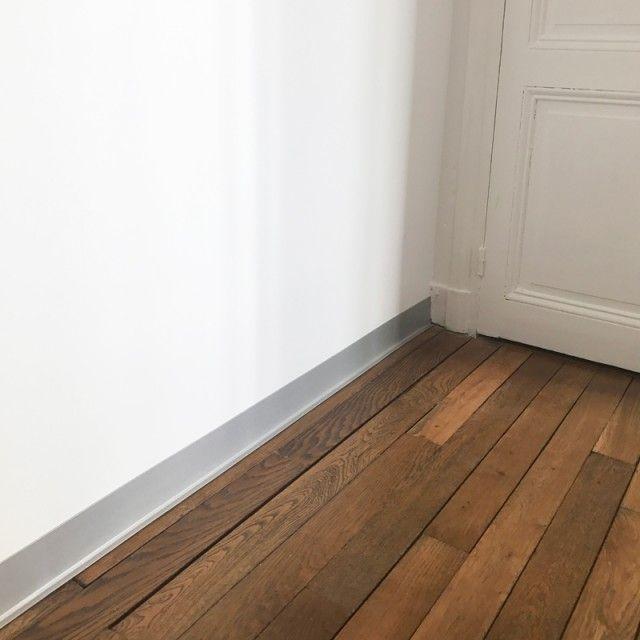 Plinthe Alu Deco En Pvc Et Autocollante Facile A Decouper Et A Poser En 2020 Plinthes Plinthe Pvc Decoration Maison