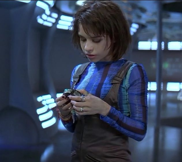 Lacey Chabert Lost In Space