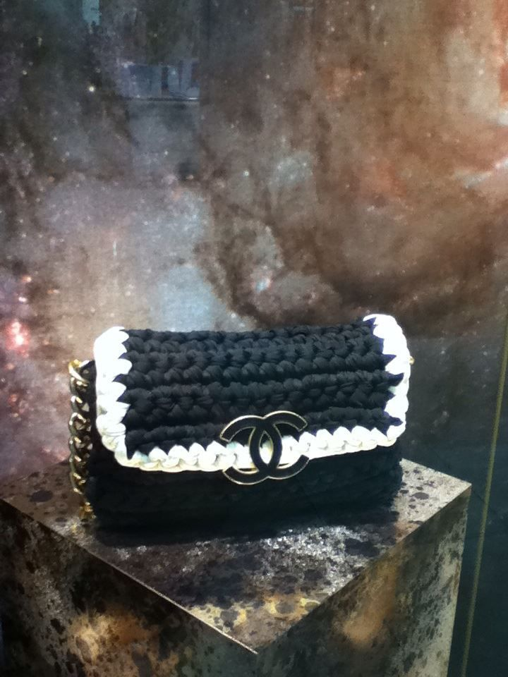 CHANEL Crochet bag !!