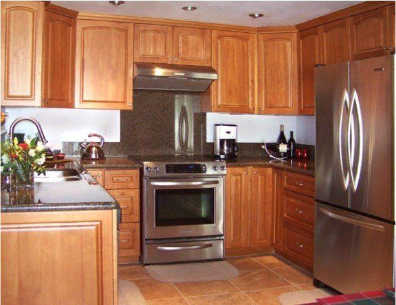 Honey Oak Kitchen Cabinets With Black Countertops Oak