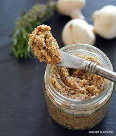 Świetna świąteczna przystawka dla wegan czy wegetarian, bądź po prostu dla wielbicieli grzybów. My do swojego pasztetu użyliśmy jedynie p...