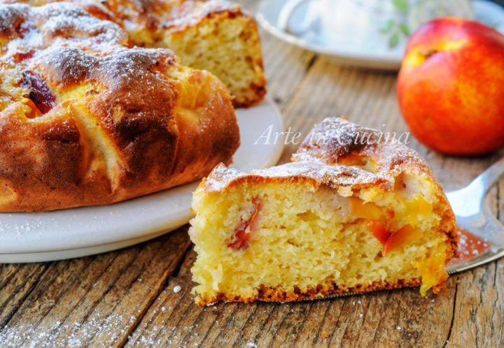 Torta morbida alle pesche con ricotta, senza olio e burro, ricetta veloce, dolce da merenda o colazione, con la frutta fresca, torta facile, ricetta con le pesche