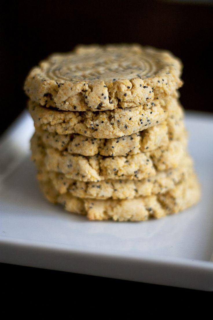 Biscuits à la polenta, au miel, citron et graines de pavot