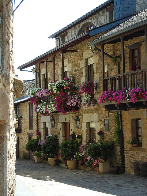 Las calles de puebla de Sanabria Spain