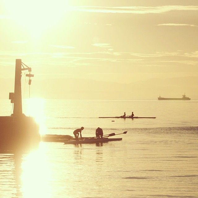 Sunset at the Nautical Club of Thessaloniki by the Park of the Sculptures. (Walking Thessaloniki - Route 15, Faliro)