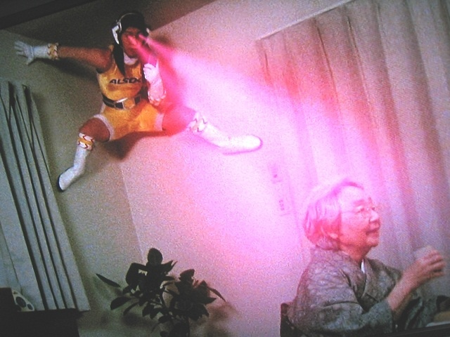 saori yoshida gold medalist of Wrestling, in an advertisement for security alarms.