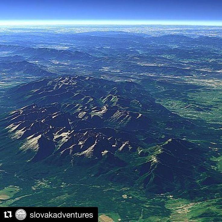 """Deň Zeme si pripomeňme takýmto pohľadom na naše malé """"veľhory"""" Vysoké Tatry.  #praveslovenske od @slovakadventures"""