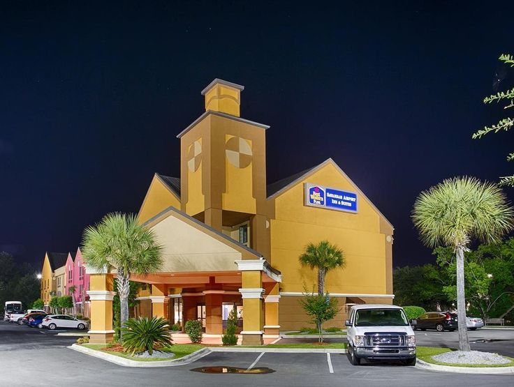 Savannah (GA) Best Western Plus Savannah Airport Inn and Suites United States, North America Best Western Plus Savannah Airport Inn and Suites is a popular choice amongst travelers in Savannah (GA), whether exploring or just passing through. The property features a wide range of facilities to make your stay a pleasant experience. 24-hour front desk, facilities for disabled guests, express check-in/check-out, Wi-Fi in public areas, car park are on the list of things guests can ...
