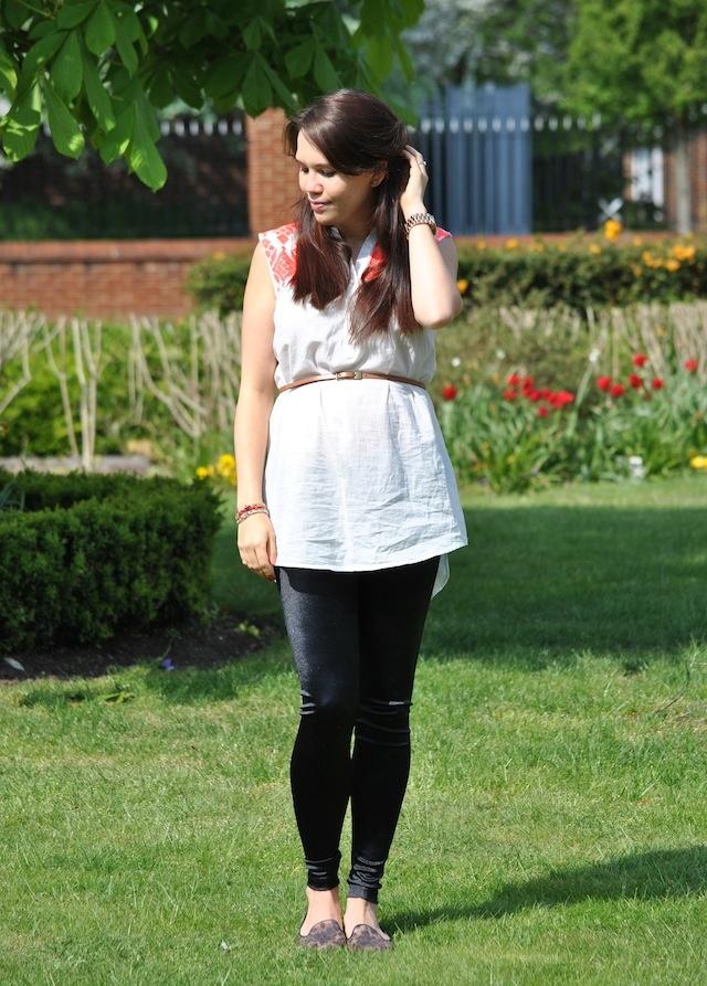 Vero Moda Tunic, New Look Leggings, Primark Belt, Chocolate Schubar flats #maternity #outfit #style
