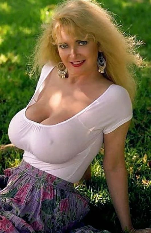 Old Mature Woman With X Large Tits 58