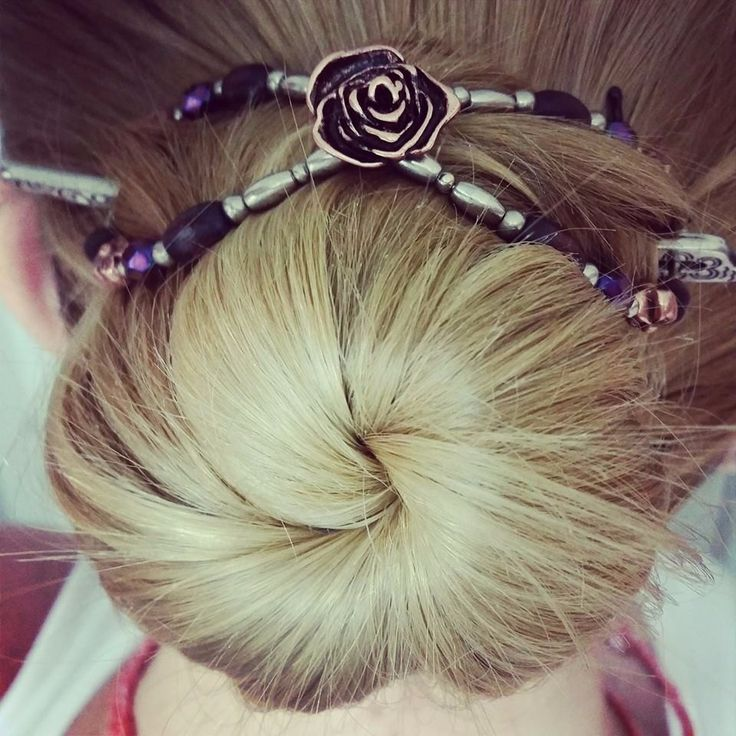 Want to use a smaller size Flexi for your bun? Put it in at the top, rather than straight across the middle! Super-comfy! :)