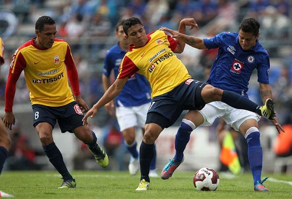 Cruz Azul vs Morelia En Vivo por Azteca 7 de TV Azteca juego de ida Cuartos de Final Liga MX Clausura 2013 juegan hoy Jueves 9 de Mayo del 2013 a partir de las 21:00hrs Centro de México en el Estadio Azul. México, DF.