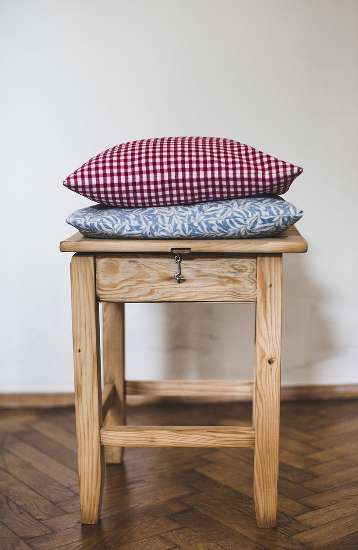 Taboret drewniany ze schowkiem – Sprzedaż i renowacja mebli