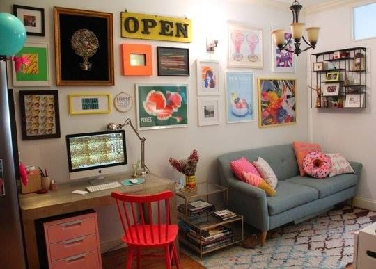 This is the cutest living room I've seen in a long time.