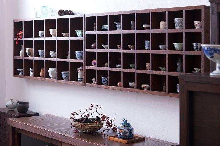 和製アンティークのマス目棚 和食器 和雑貨 壁掛けディスプレイ