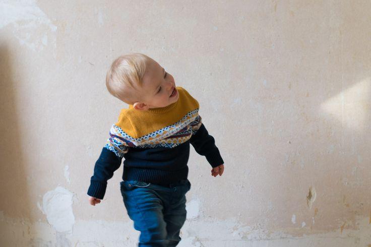 staccato trendshock kids style babymode kindermode kinder mode fasion norwegen nordisch mädchen jungs teenager bären jeans minimal bisgaard hausschuhe wolle filz filzwolle eames babystuhl babyjunge babymodel