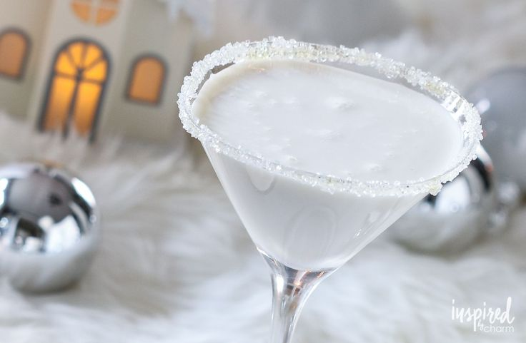 White Christmas Martini - garnished with a sugared rim, this Christmas holiday cocktail is like an adults-only white chocolate milkshake in a martini glass. (alcohol chocolate christmas parties)