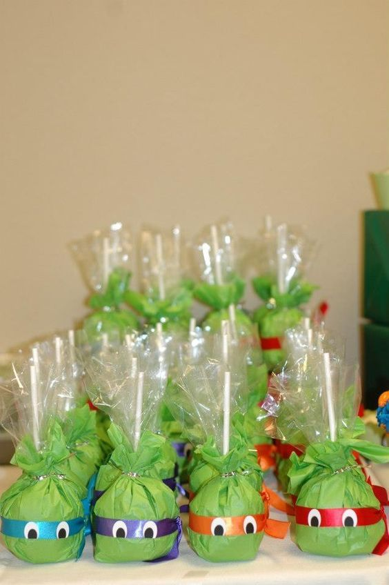 Rice Krispie treat Ninja Turtle party favors: