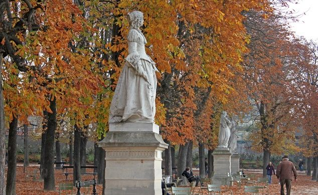 """Statue in the Jardin du Luxembourg, Paris."" (From: 50 Stunning Fall-Foliage Photos)"