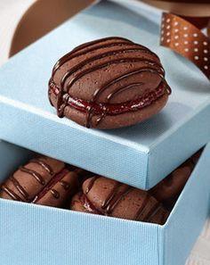 Für Schoko-Fans: Kirsch-Kakao-Biskuits: http://kochen.gofeminin.de/rezepte/rezept_kirsch-kakao-biskuits_221145.aspx