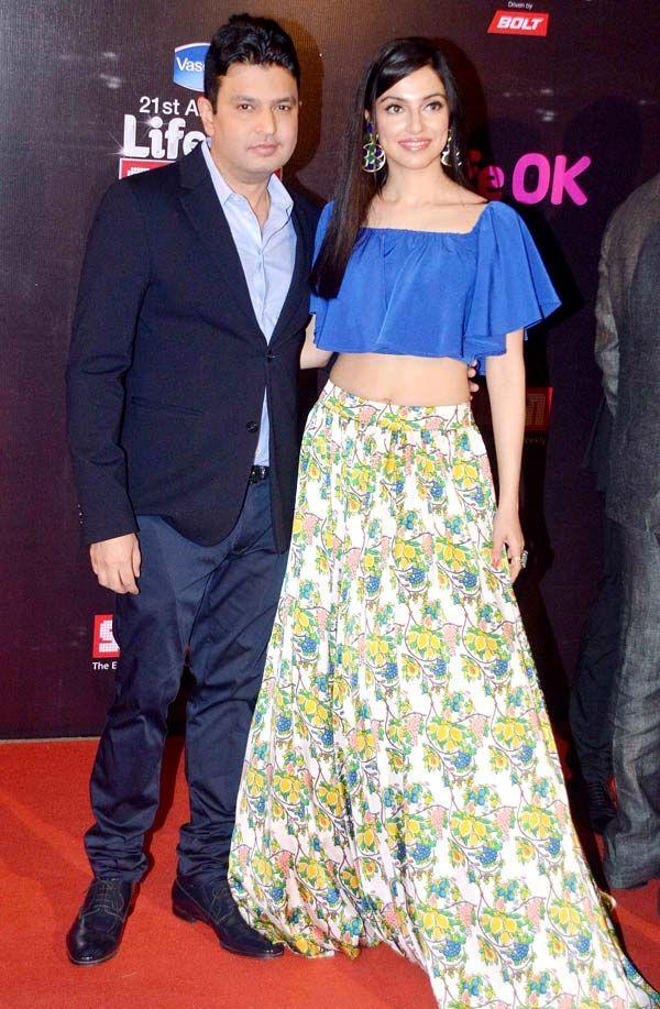 Bhushan Kumar and wife Divya Khosla-Kumar at Life OK Screen Awards 2015. #Bollywood #Fashion #Style #Beauty