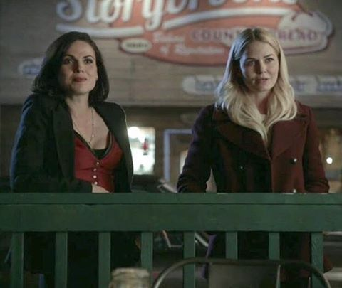 I know i keep saying it but this is hands down one of my new favorite SQ scenes❤️ Not even for them as partners, but this just really showed how far they've come since season 1 and i love it☺️ - maybe it was just me but are they not lowkey twinning? the bottons & red?💋👯 - #ouat #onceuponatime #evilregals #swanqueen #emmaswan #lanaparrilla #reginamills #mayormills #theevilqueen #longlivethequeen #evilreigns