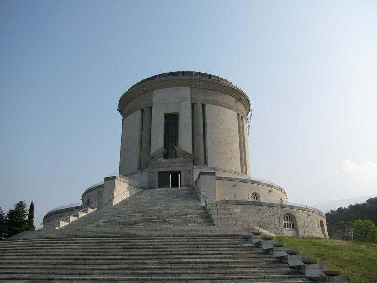 Ossario di Castel Dante, Rovereto