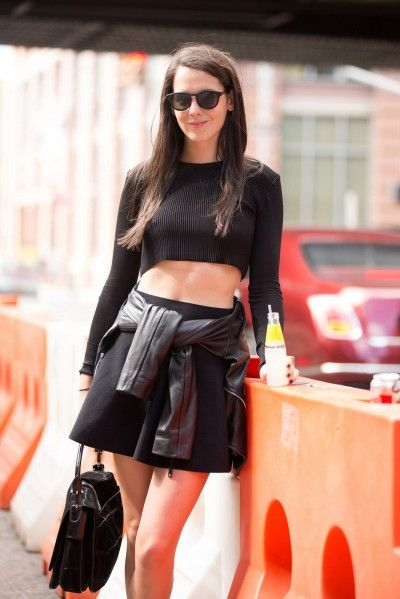 shirts tied around the waist // black // leather // crop top sweater // street style // streetstyle // fall fashion