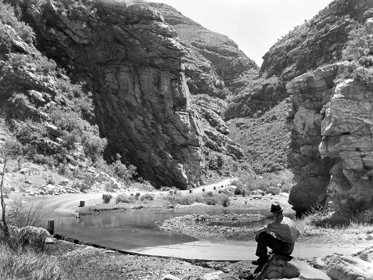 Swartberg Pass, Lower End   Flickr - Photo Sharing!