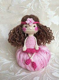 2000 Free Amigurumi Patterns: Cute little ballerina doll
